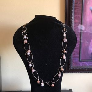 Jewelry - Elegant gold tone necklace